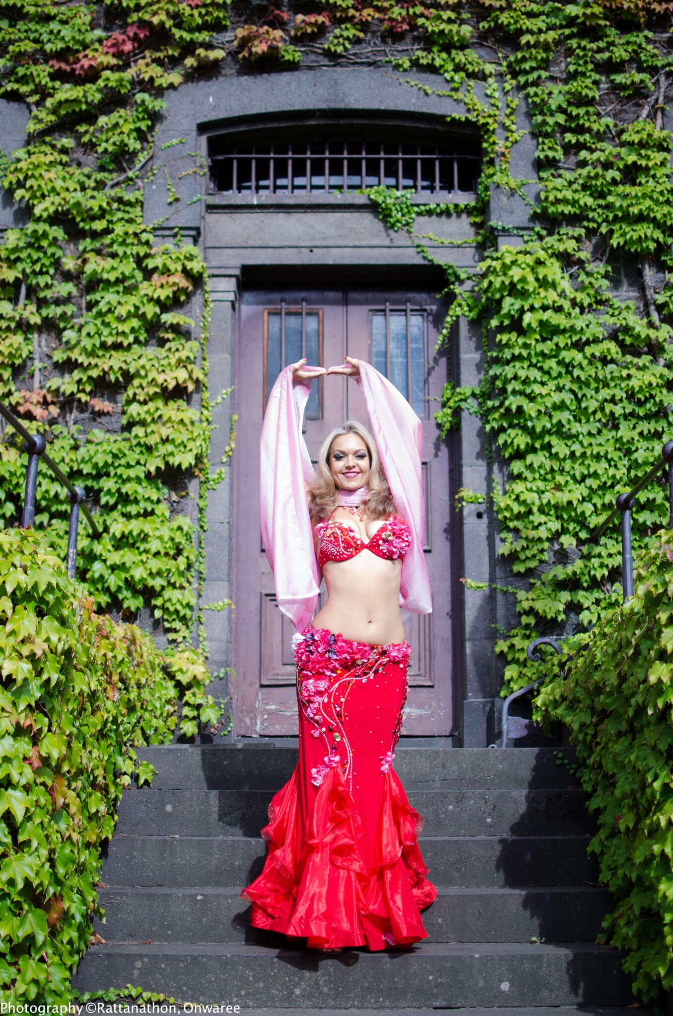 Bellydancer Alisa Melbourne Belly Dance Performer
