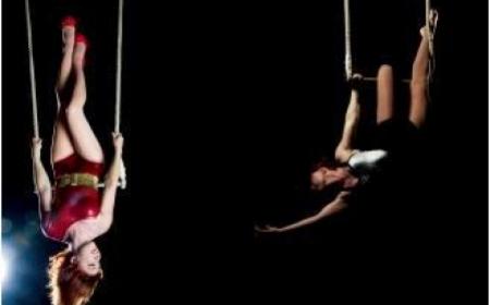 Miss Rockette-trapeze