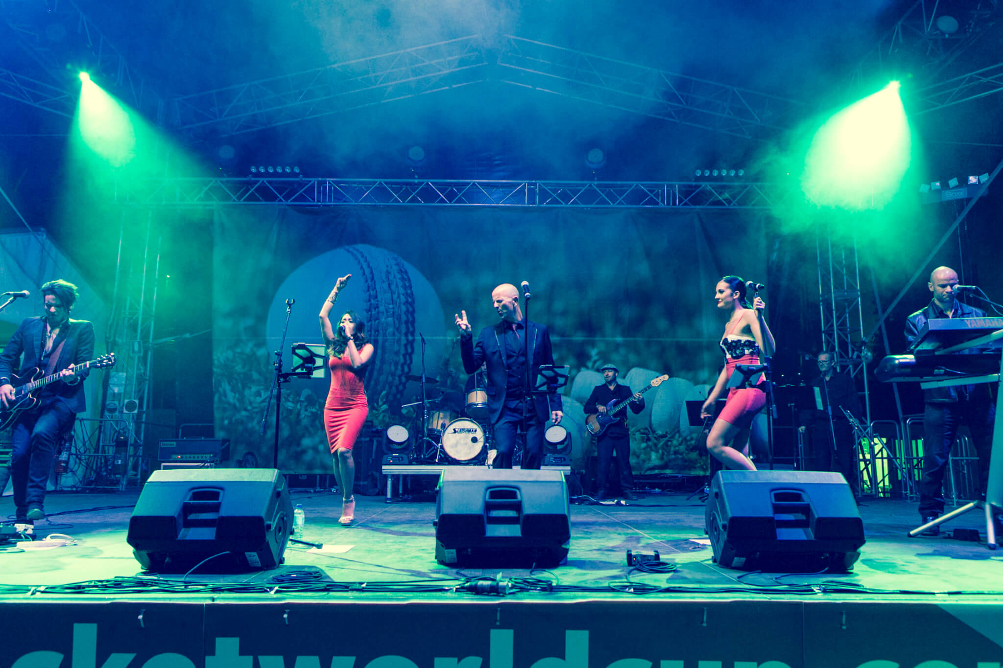 Chunky Jam world cup cricket- 6 corporate cover band-wedding band-party band-melbourne