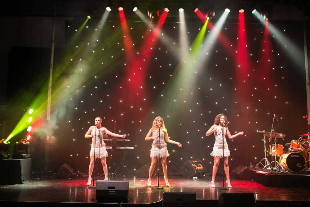 the diamonds- corporate show-corporate entertainment-gala dinner entertainment