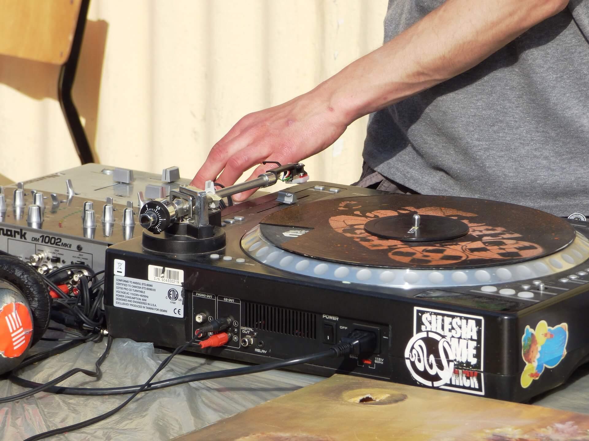 Vinyl Djs
