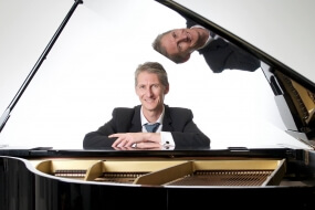 Craig | Jazz Pianist