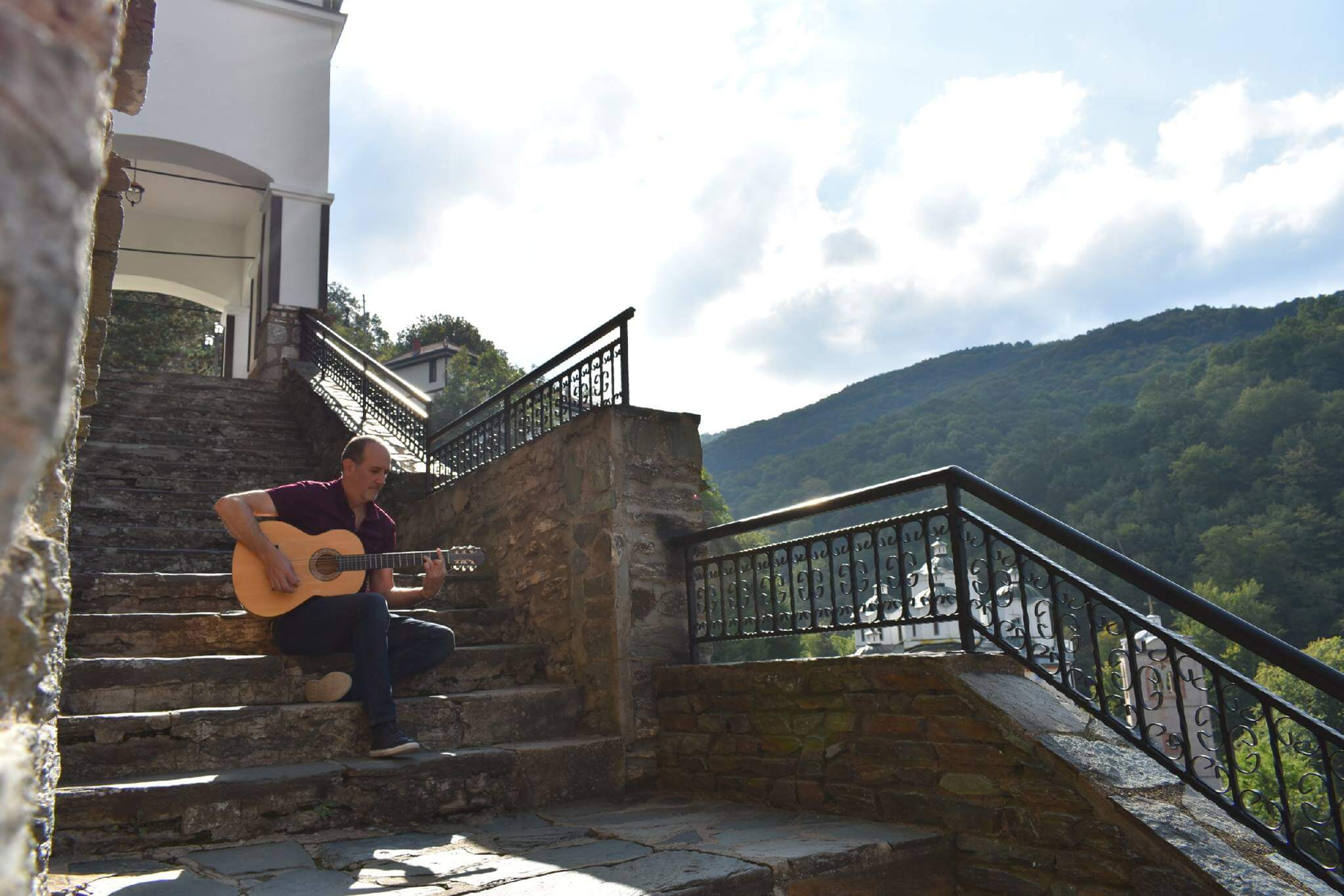 Valentino | Solo Guitarist