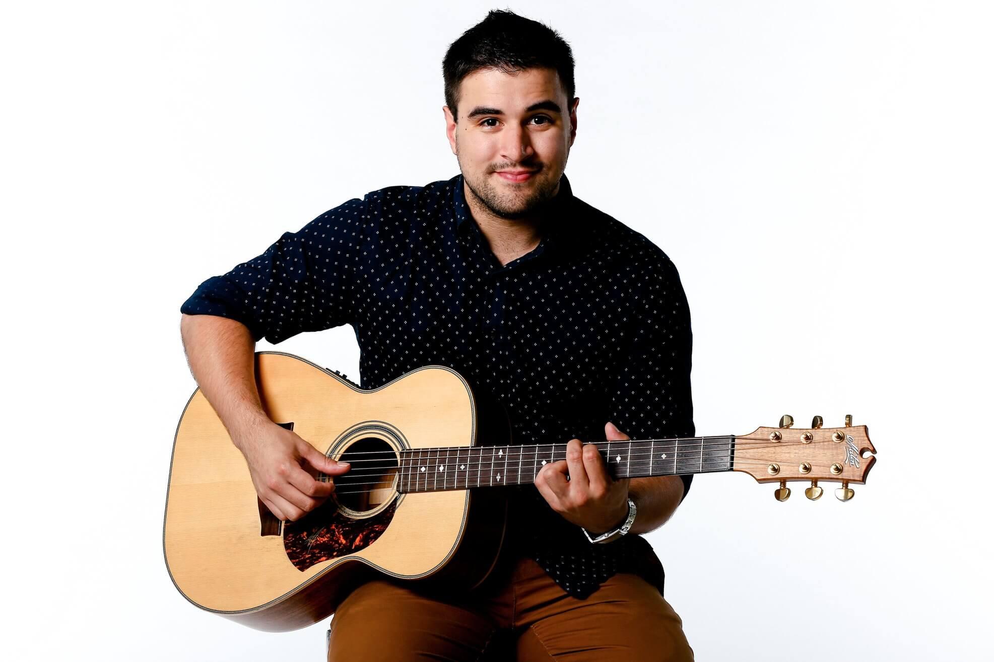 Trent Acoustic Guitar & Vocalist