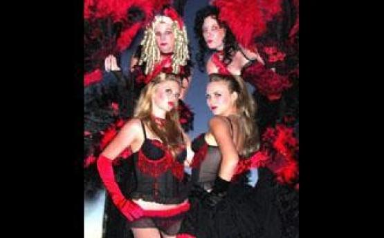 Parisian Cabaret Showgirls – Stilts