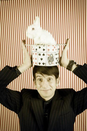 Anthony De Masi – Master of Comedy Magic