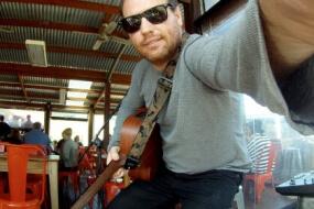 Nat P | Acoustic Soloist
