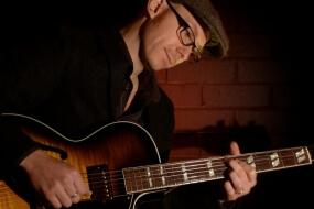 Stuart – Jazz Guitarist