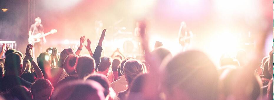 corporate christmas party-event-entertainment-instinct