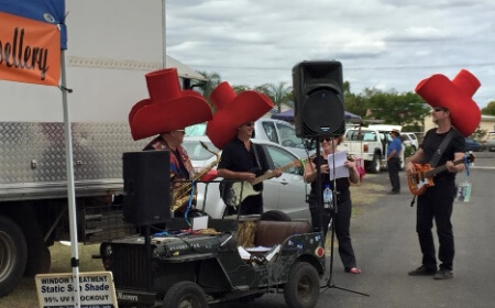 Roving Duke Box with live musicians