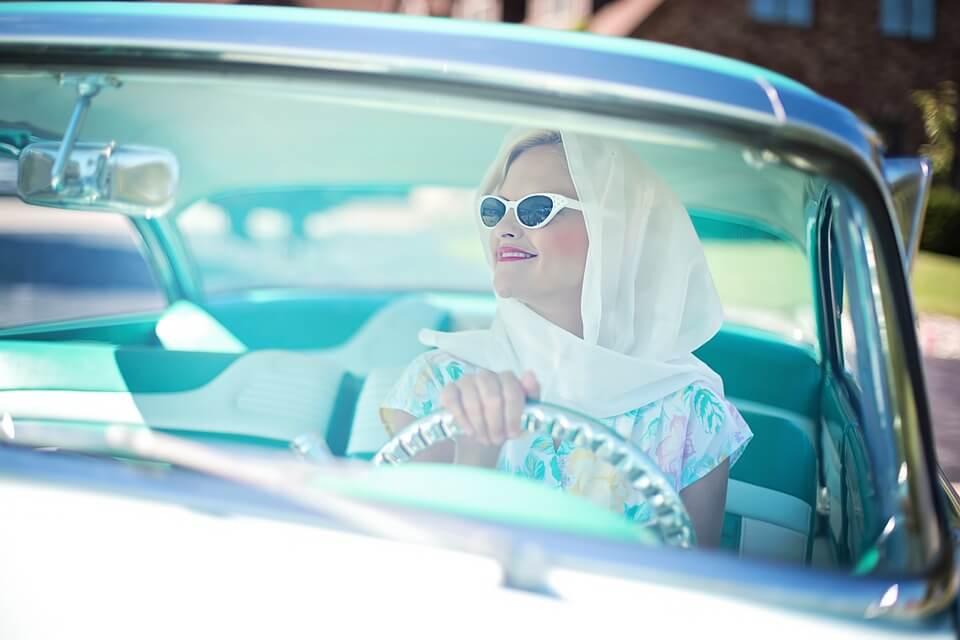 vintage-1950s-woman