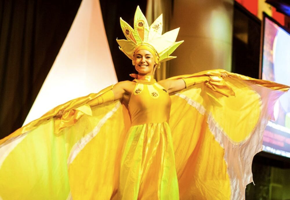 suns stilt walkers for hire for events