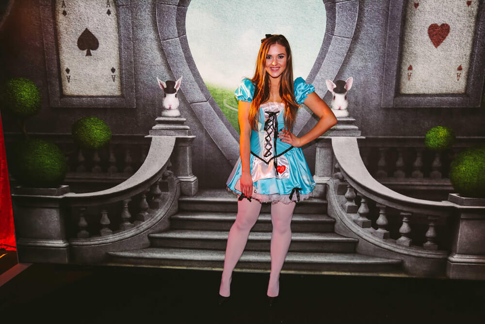 Alice-in-Wonderland-Theme-15
