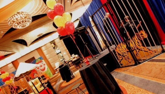 Roving Entertainment Melbourne | Circus Action Events