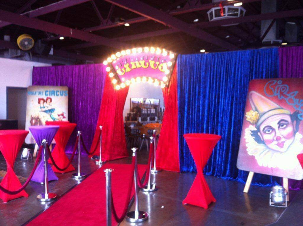 Roving Entertainment Melbourne   Circus Action Events