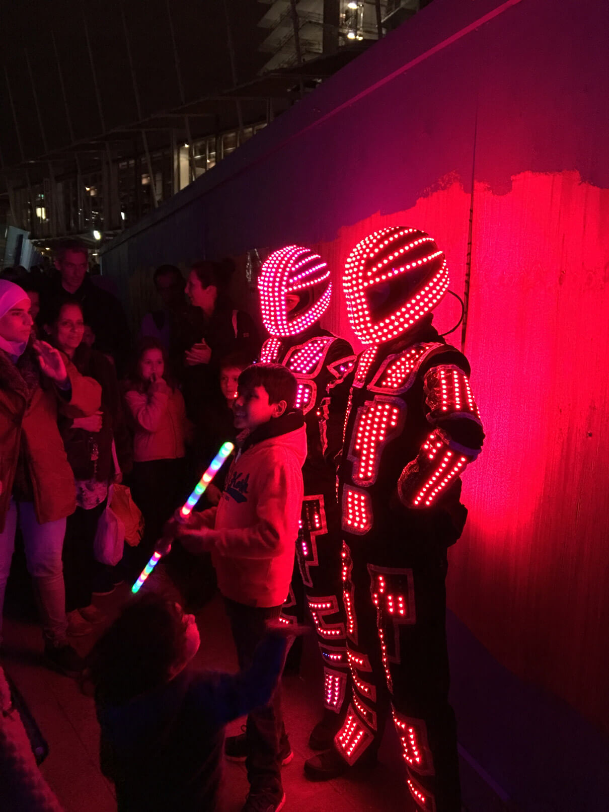 Luminance | LED Robots