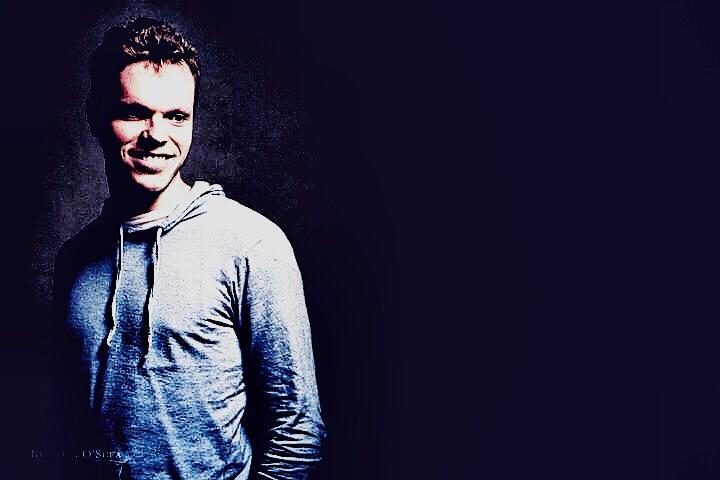 Mitch F | Solo Musician Melbourne
