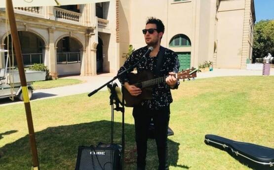 Rhys | Solo Musician