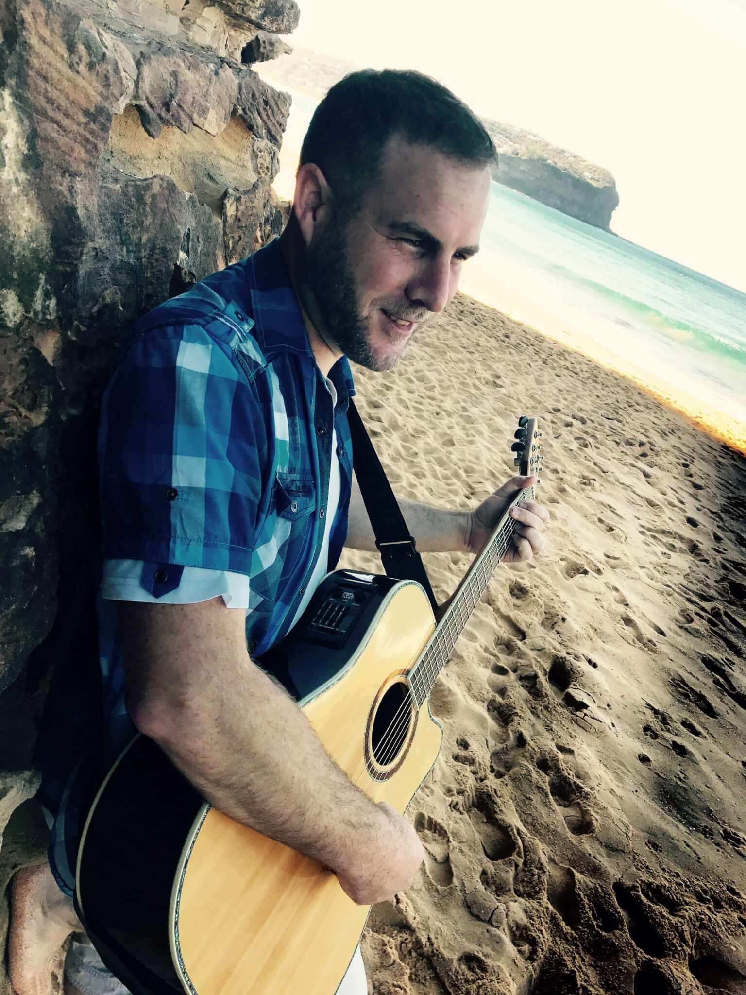Chris | Solo Musician