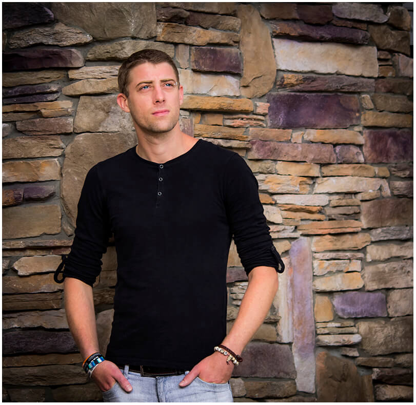 Ryan H | Solo Musician