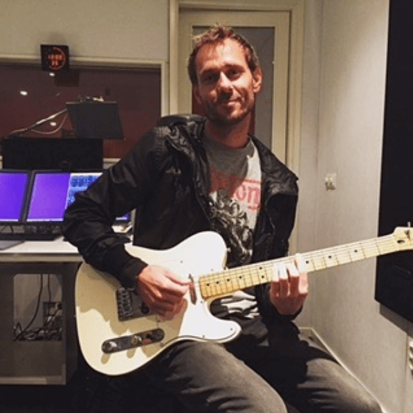 Jonny G | Solo Musician