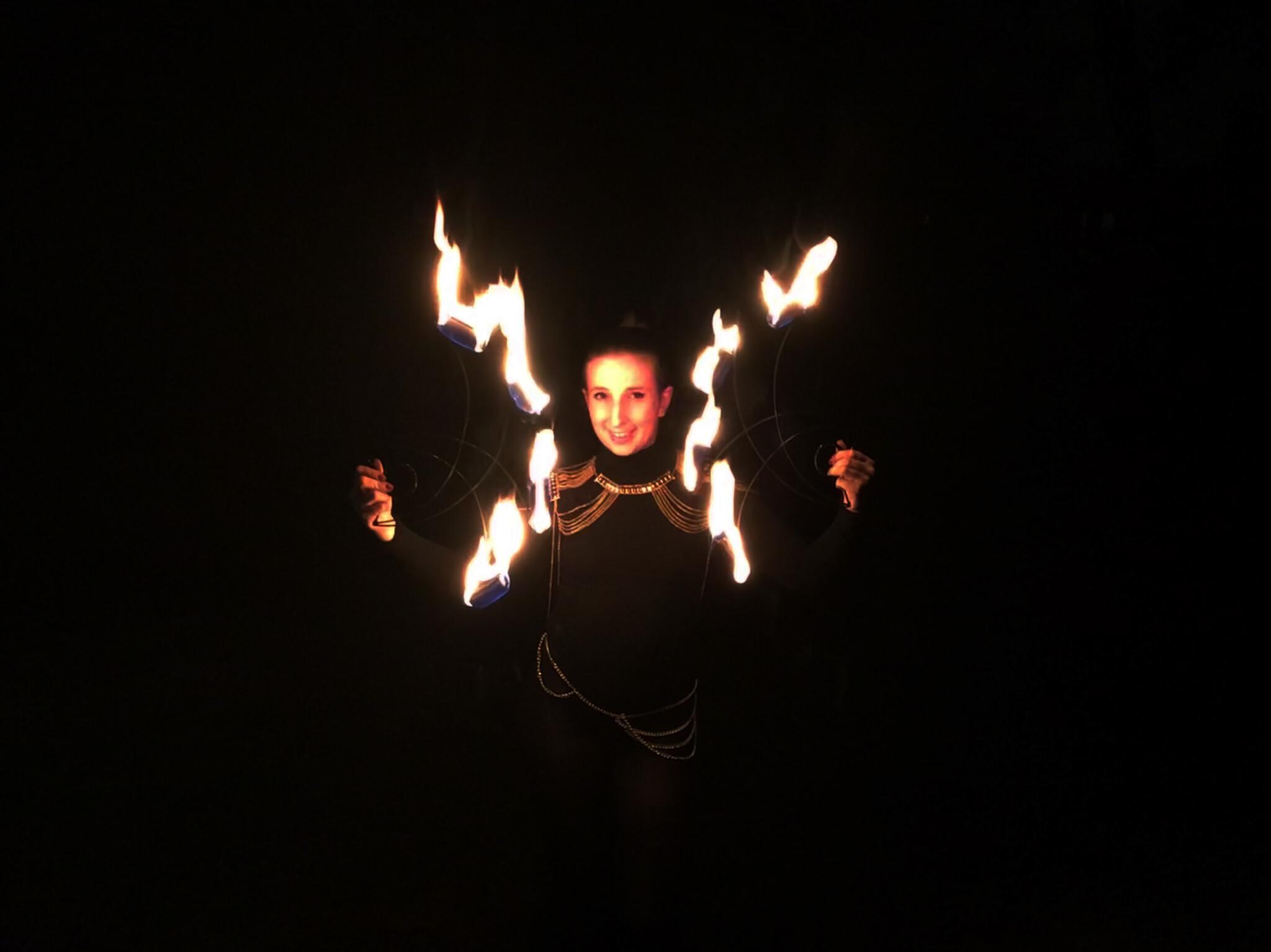 Raelene | Mixed Circus Artist