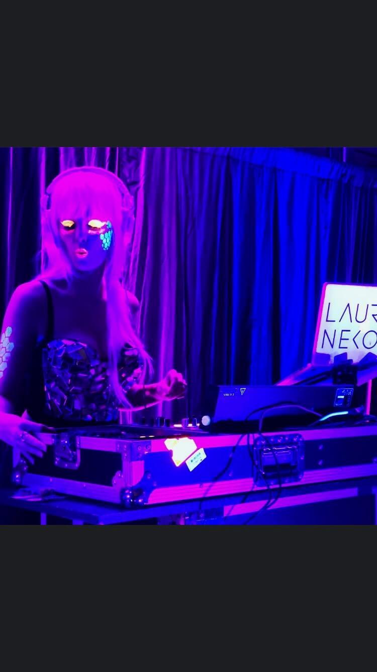 DJ Lauren