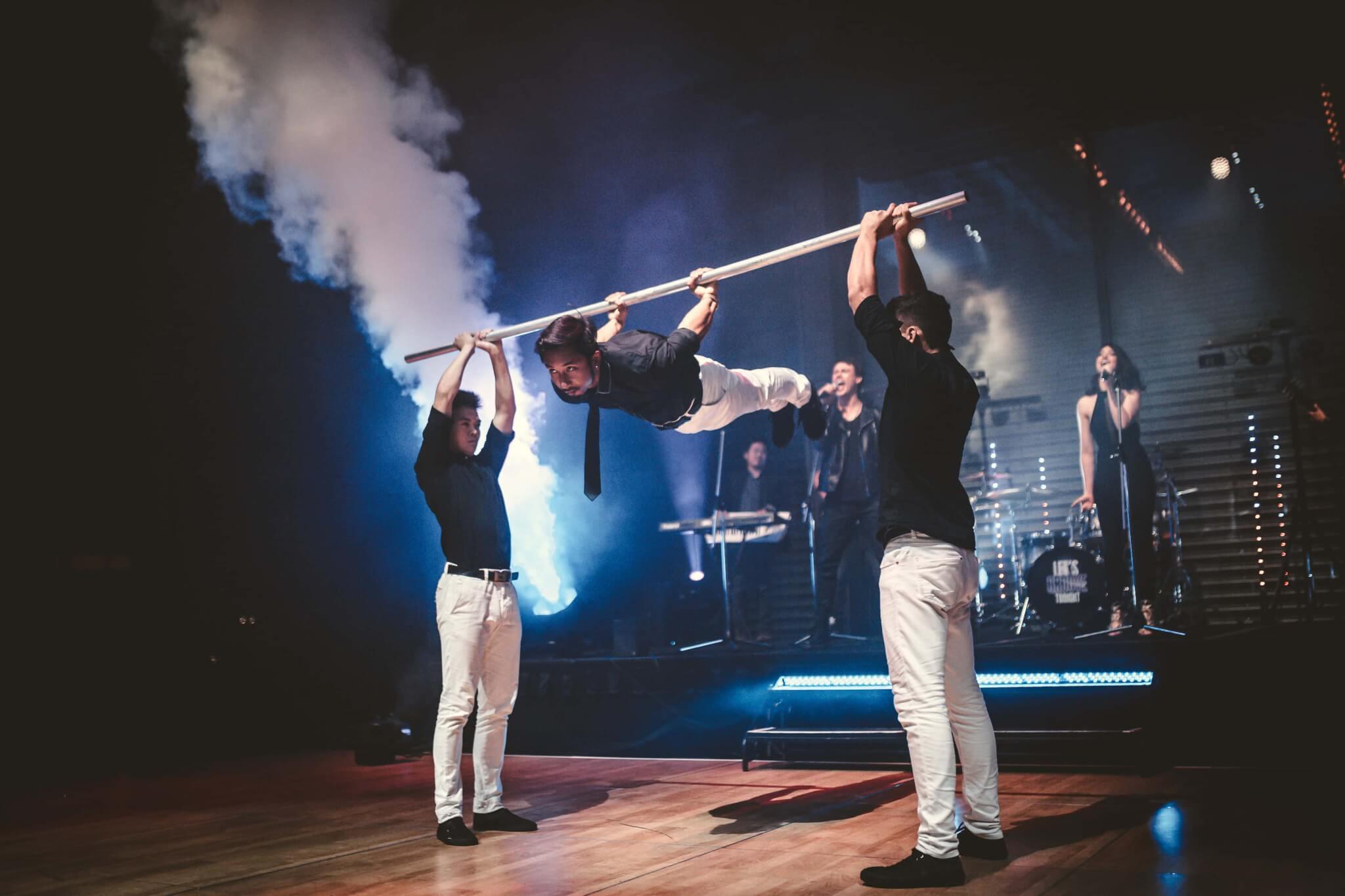 Wow! | Live Band Stunt Show