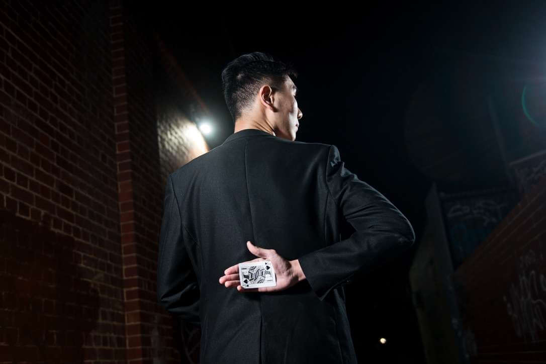 Toby Z Magician illusionist